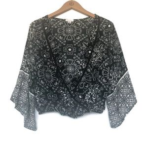 Xhilaration Boho Printed Bell Sleeve Crop Top